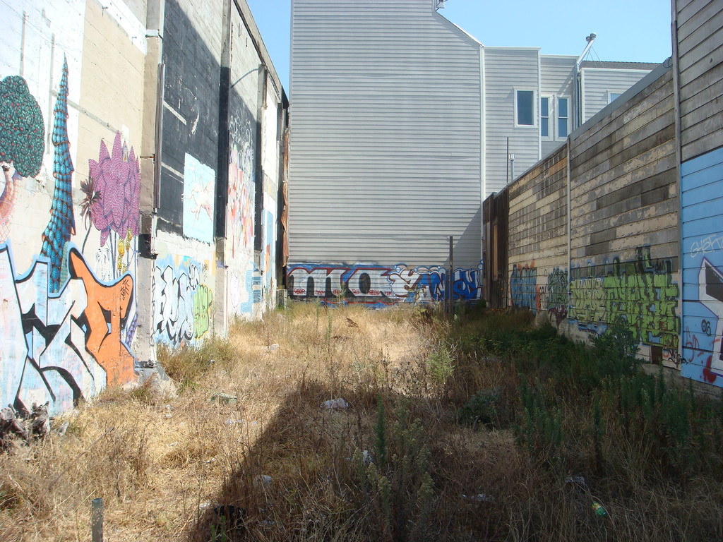 Vacant lot in San Francisco. Image: donte via  Flickr