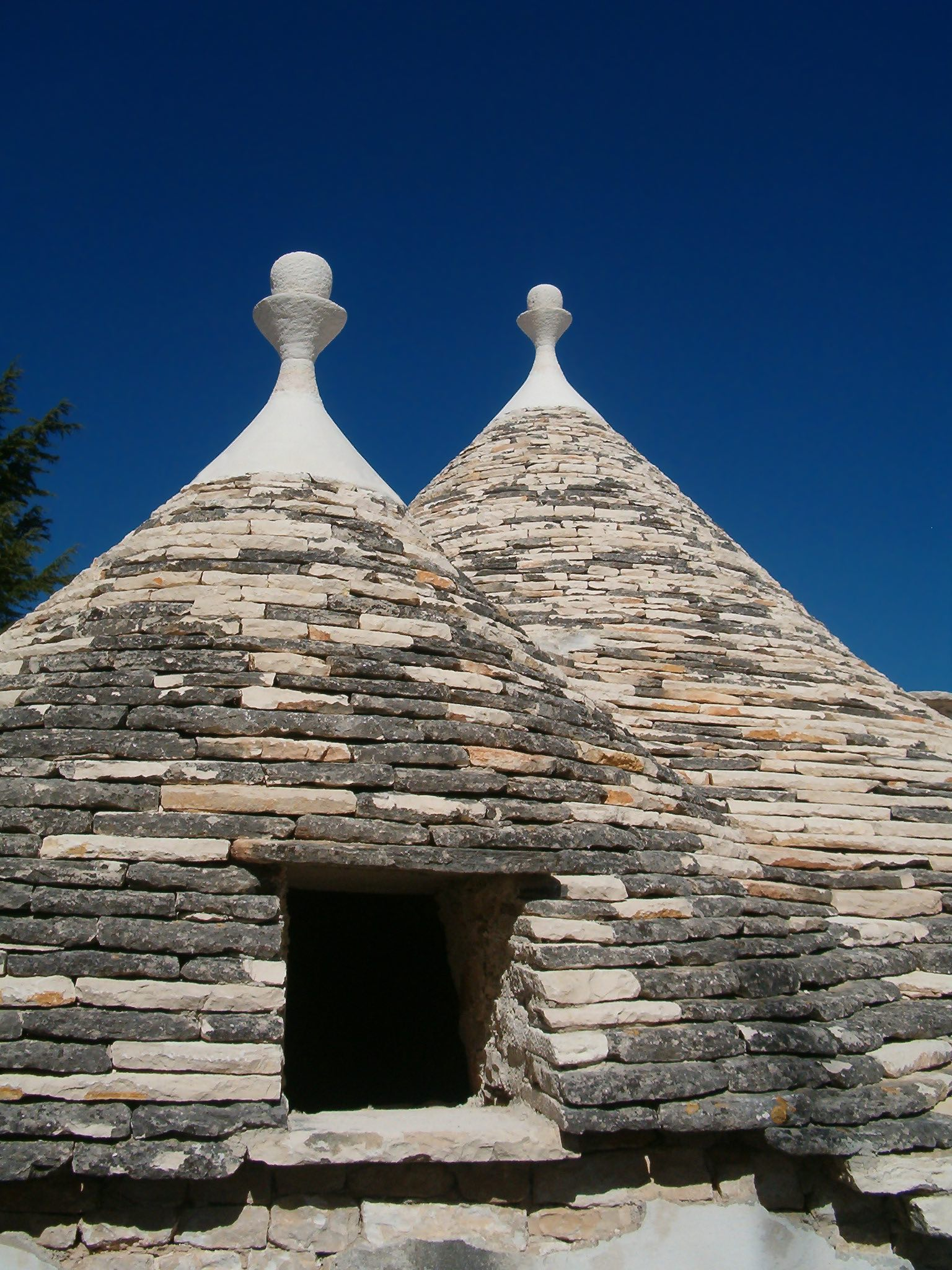 Trulli in Italy. Image: Wikimedia Commons