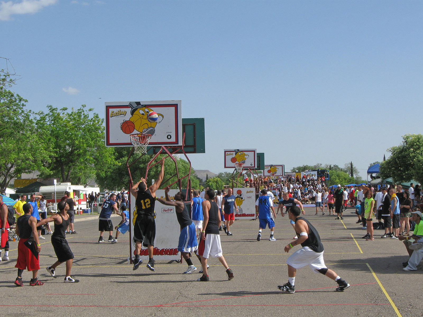 Recreational amenities can also play host to popular community events which increase the visibility and popularity of a city. Source:  Wikimedia Commons