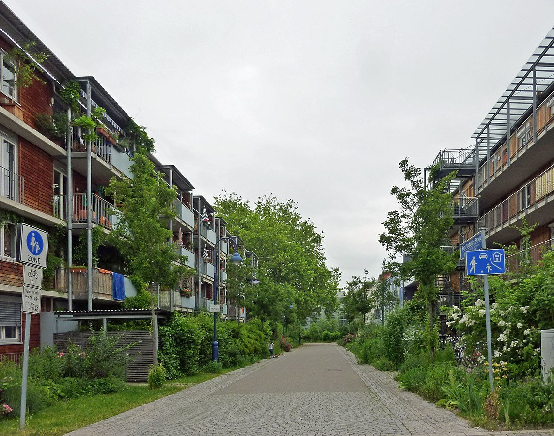 A rectangular grid of streets connect Vauban residents, but with one unique restriction: Only pedestrians and cyclists get full access to it. Apart from the main business corridor, all other streets limit car access to the dropping off and picking up passengers or bar them entirely. ( Image source. )