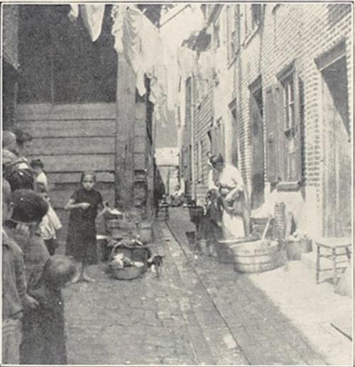 Housing conditions in Philadelphia, 1904.