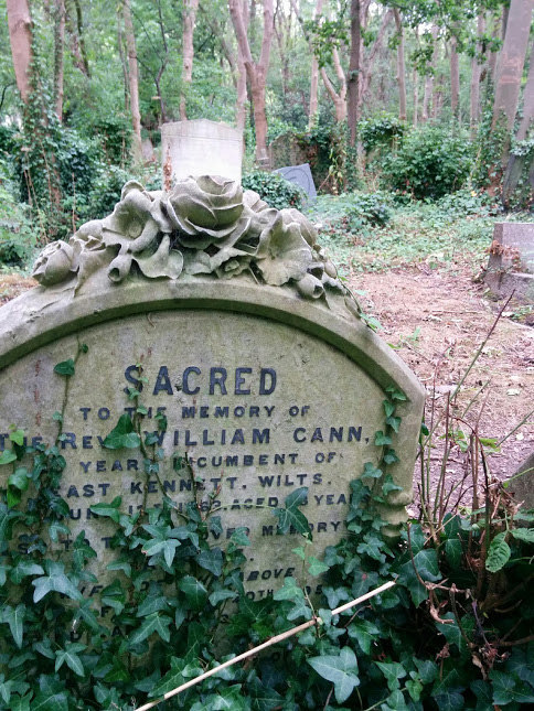 Sacred, Highgate Cemetry 2018