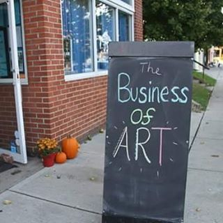 Join us this Monday for Business of Art: Niche Down to Stand Out. Let us help you learn how to specialize your art. This free panel and networking session starts at 6:30 at the Gallery. #wildgoosecreative #artontap #artmakescbus #businessofart