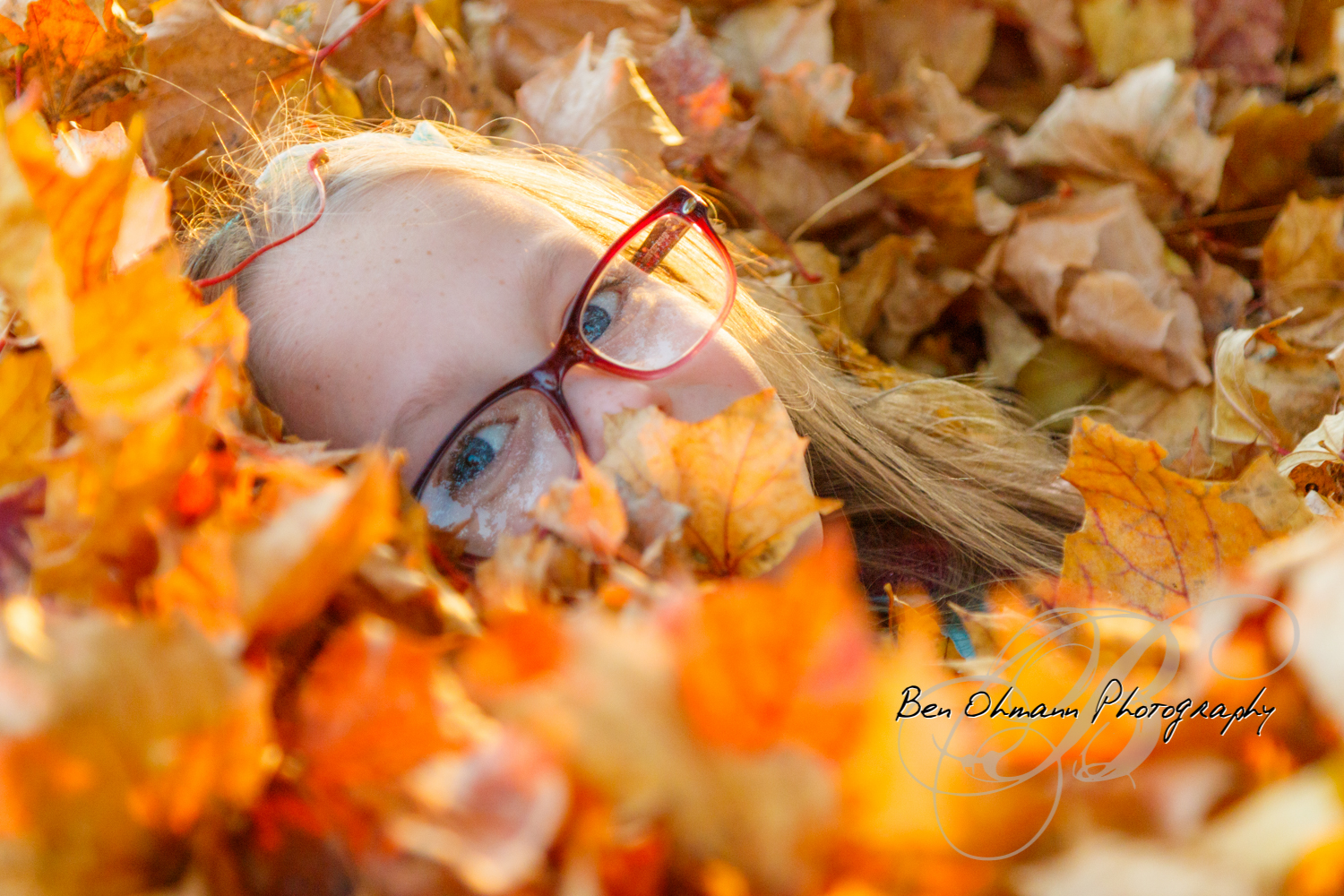 Zenna in the Leaves Mini-Session-20181016_072.jpg