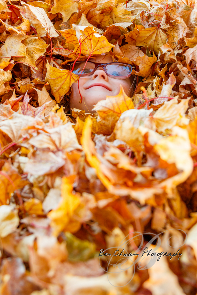 Zenna in the Leaves Mini-Session-20181016_076.jpg
