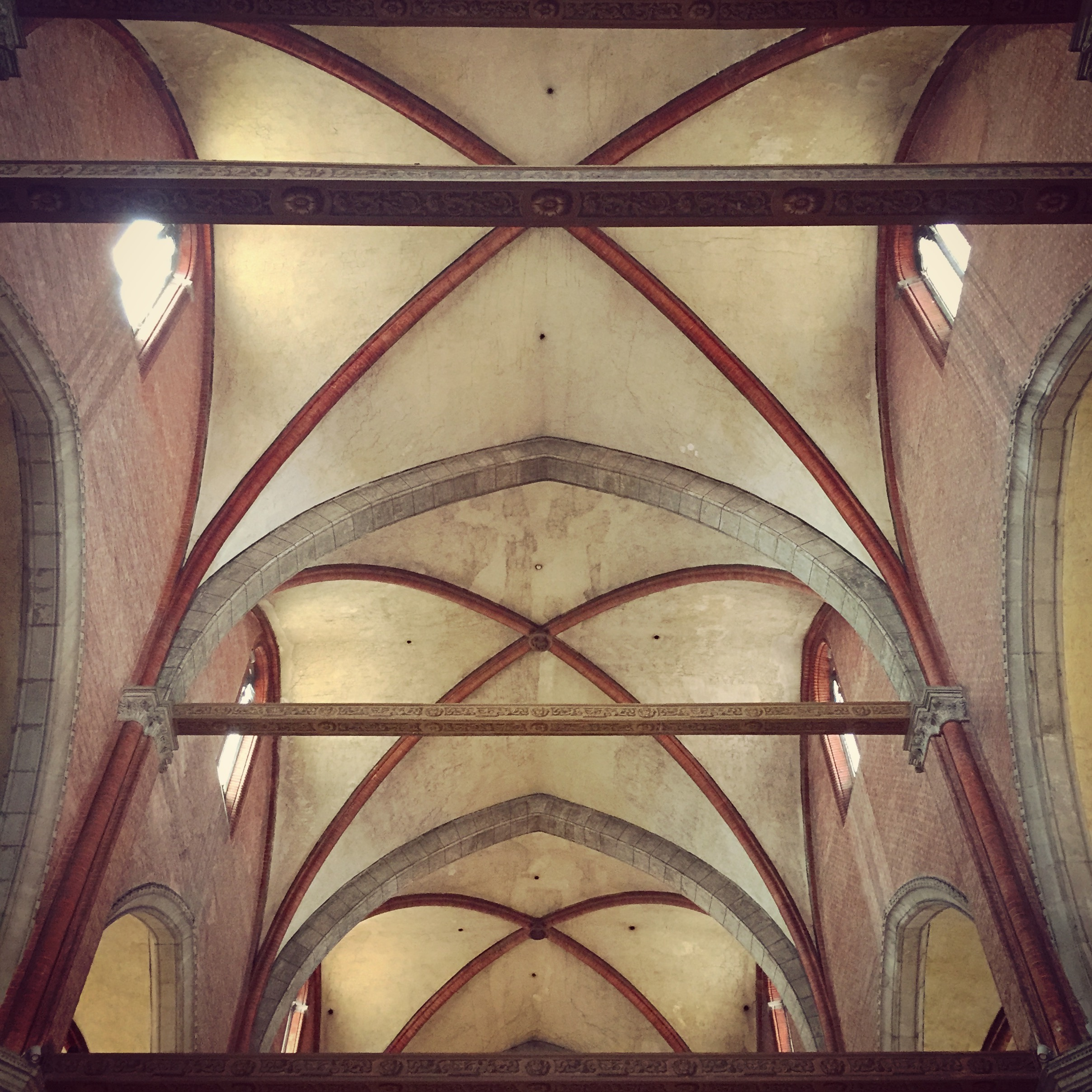 View of Basilica dei Frari's vaulted ceiling.
