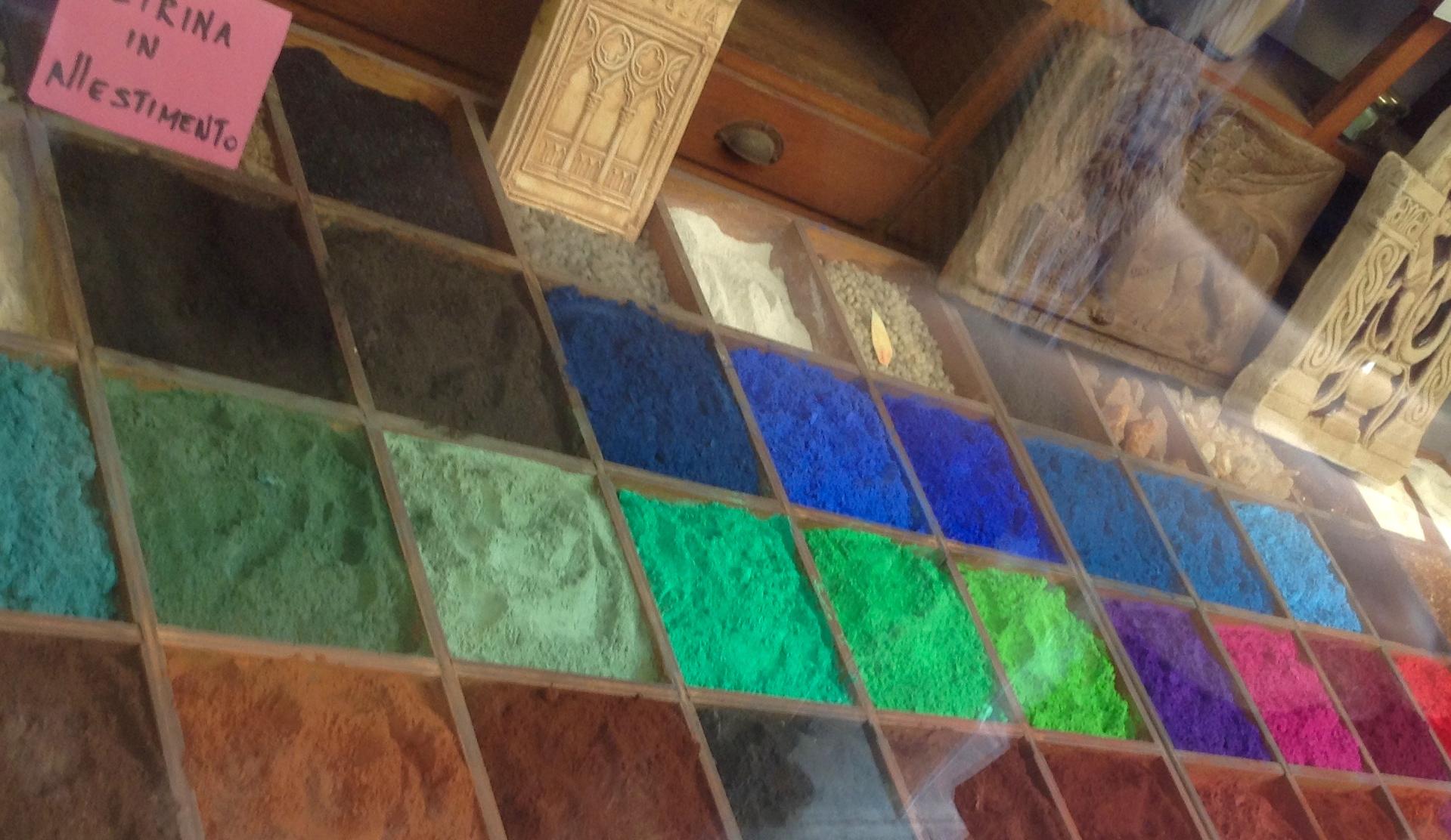 Pigments in a shop window. (photo: Jessica Jones)