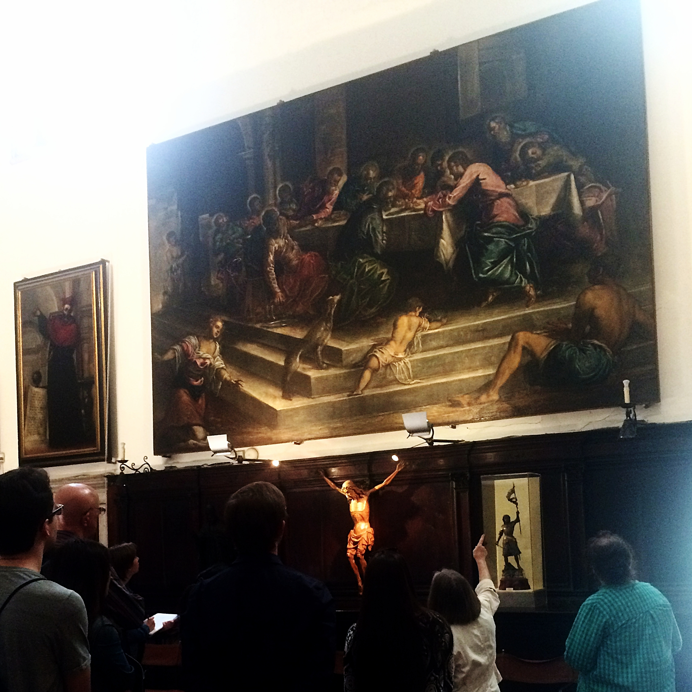 Prof. Gisolfi teaches students in front of Jacopo Tintoretto's  Last Supper  (1579–80), now located in the sacristy of S. Stefano, Venice (photo: Joseph Kopta).
