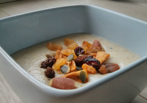 Naturally sweet porridge containing nuts, seeds and dried fruit