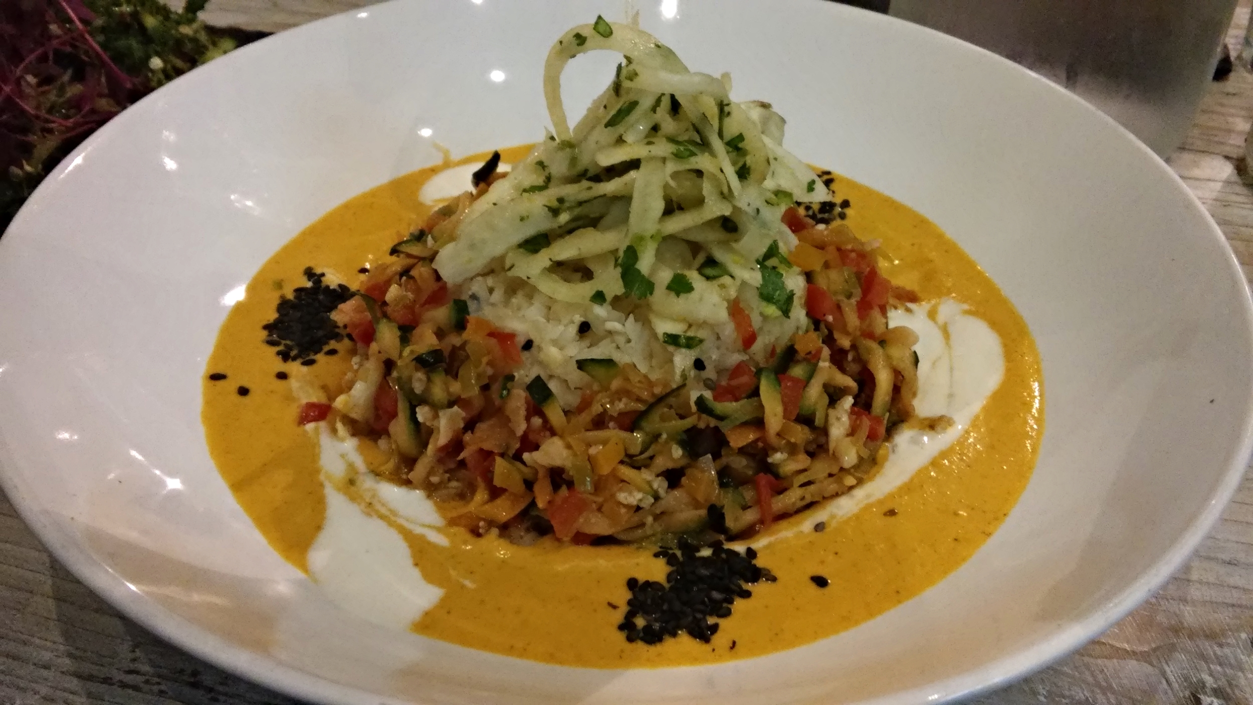 Thai Coconut Curry - Cauliflower, courgette, red pepper & leek marinated in a sweet chilli sauce, served with a coconut currym kohlrabi rice and pickled fennel