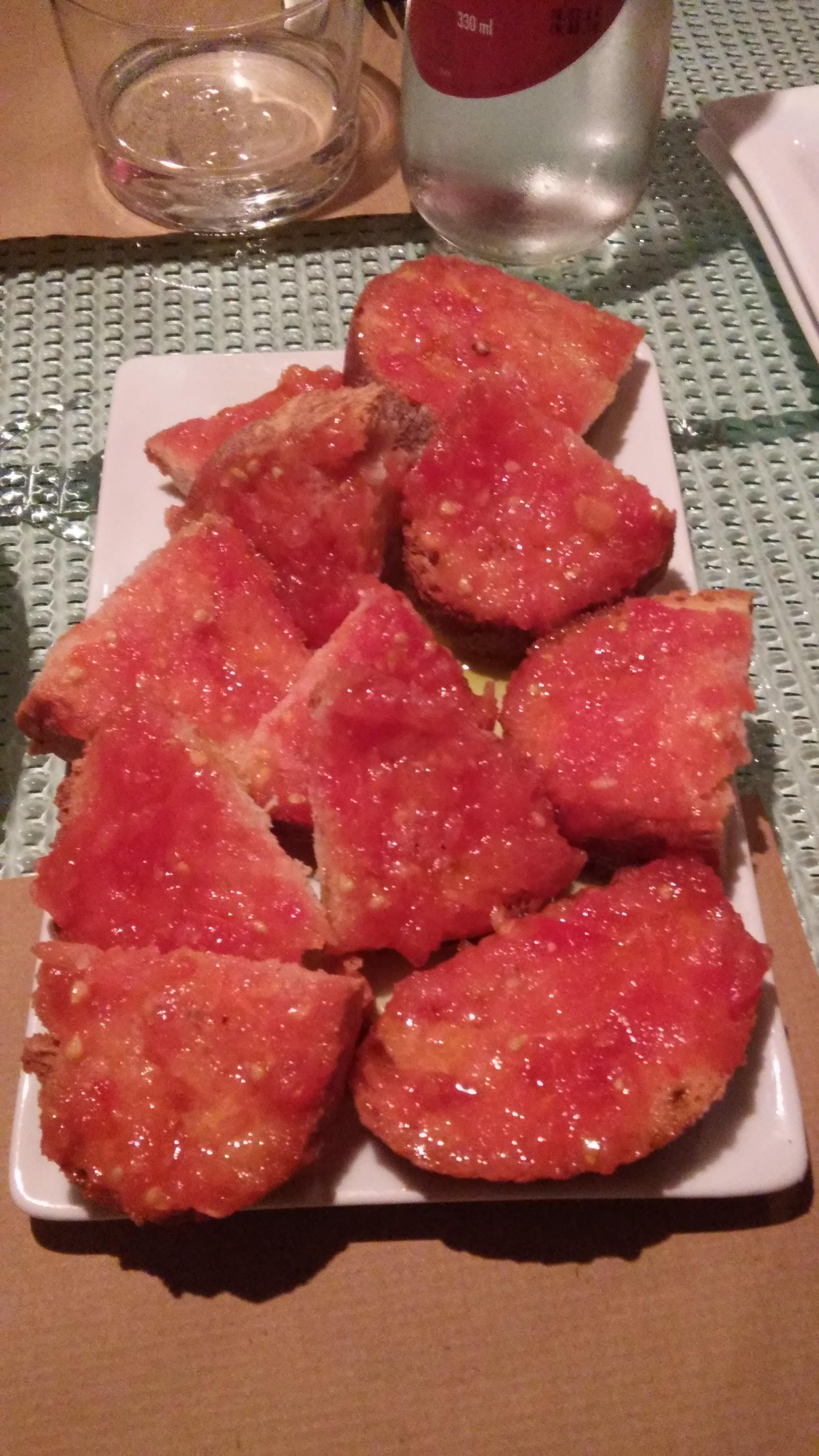 Bread with tomato