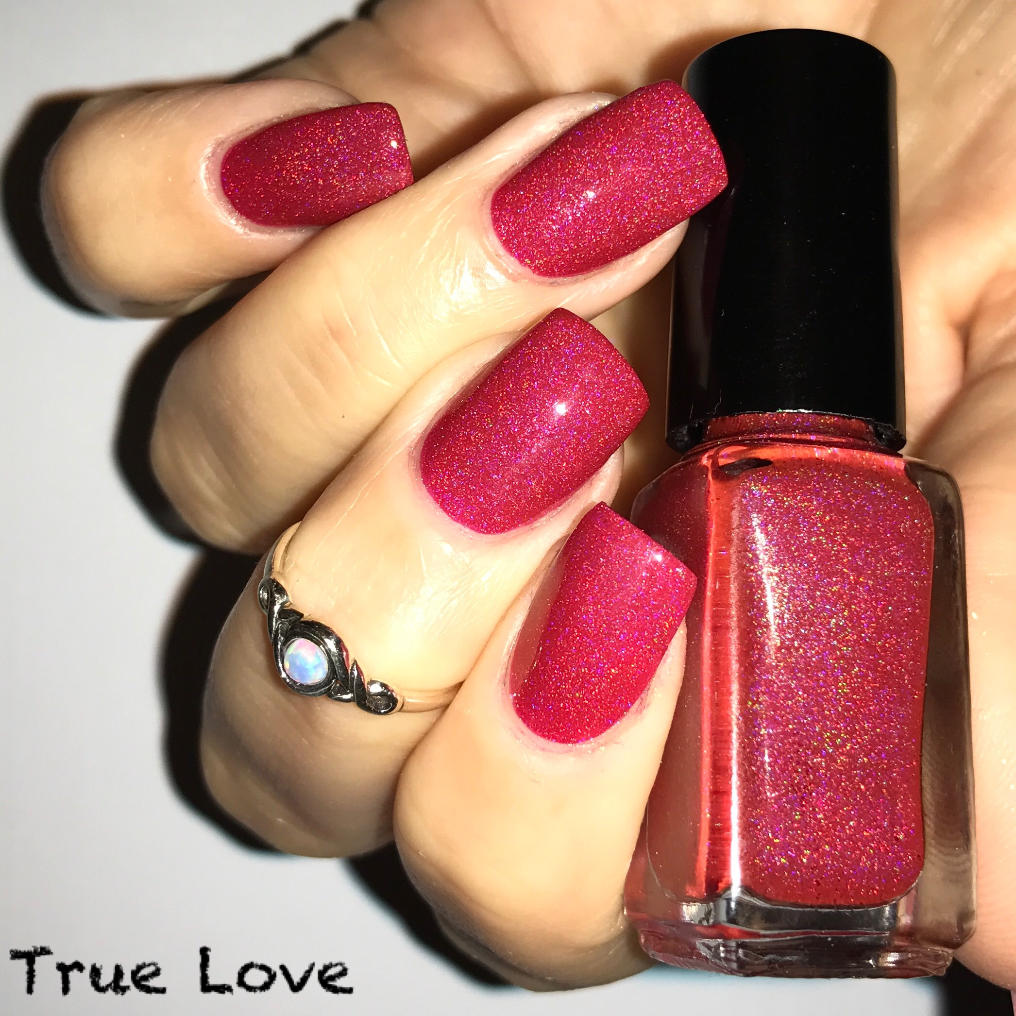 Sharon isn\'t vegan but she makes vegan nail polishes! Find out why ...
