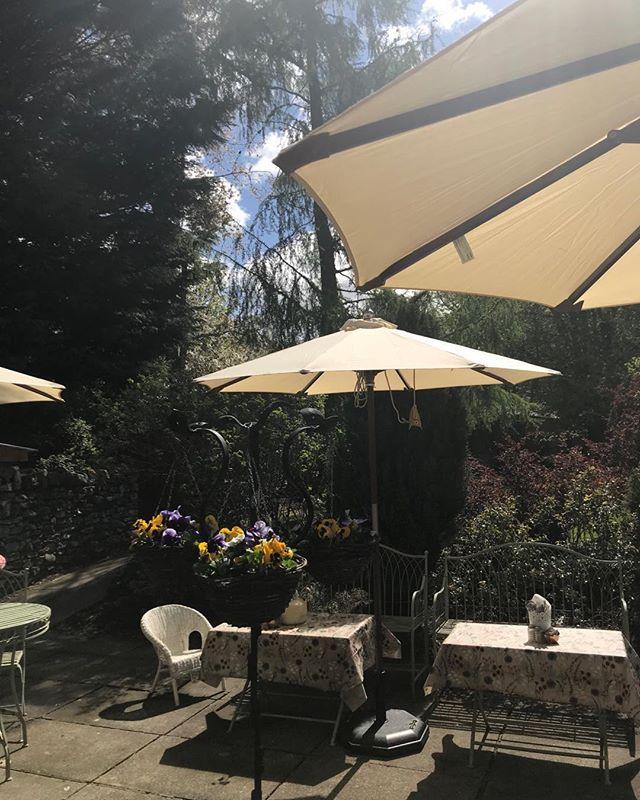 Feels like summer!! #traquairhouse #gardencafe #icecreambuckets