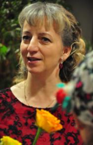 Milena Jurczyk - TANIEC KLASYCZNYAbsolwentka Szkoły Baletowej w Gdańsku i Akademii Muzycznej w Warszawie. Od wielu lat jest cenionym pedagogiem w Ogólnokształcącej Szkole Baletowej w Gdańsku. Jest również w gronie sędziów w turniejach tańców narodowych w formie towarzyskiej, współpracując z wieloma znaczącymi ośrodkami na terenie kraju jako pedagog w zakresie różnych technik tanecznych. Swoje doświadczenie zawodowe zdobywała, kształcąc się m. in. w Argentynie (Stypendium CIOFF), czy odbywając staże w szkołach tańca w Hiszpanii. Pani Milena została odznaczona za specjalny wkład w rozwój szkolnictwa artystycznego w Polsce przez Prezydenta Rzeczypospolitej oraz Ministra Kultury. Od 2001 roku jest właścicielką Studia Tańca TTQ.