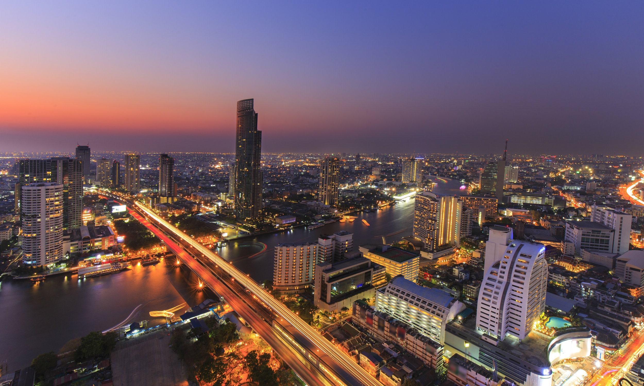 "BANGKOK - THAILAND'S PULSING CAPITAL  Explore the infamous capital city of the ""The Land of Smiles."" Visit the city's historic tourist sites and experience Khaosan Road - Southeast Asia's biggest backpacker hub!"