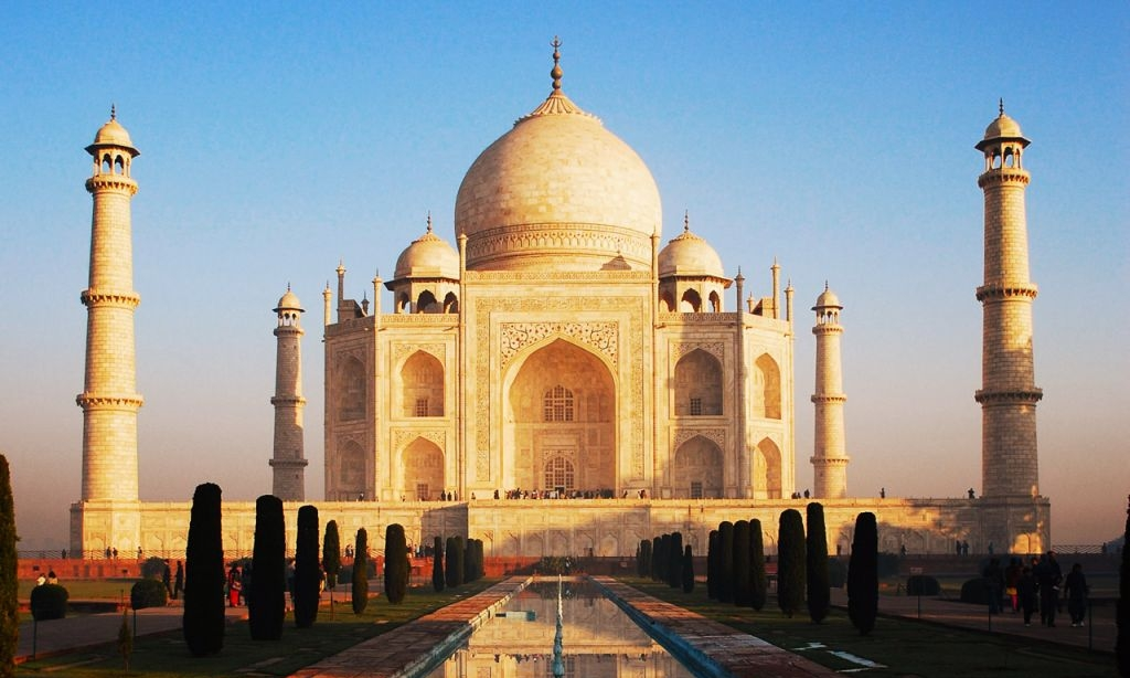 Agra - Nothing says India like the extraordinary grandeur of the Taj Mahal. This UNESCO heritage site was once the capital of the desert kingdom and is not to be missed!