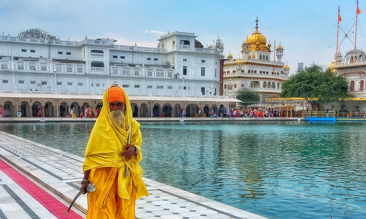 Amrtisar - Visit the Indian home of the Sikh religion and see the extraordinary Golden Temple. Witness changing of the guard at the India-Pakistan border.