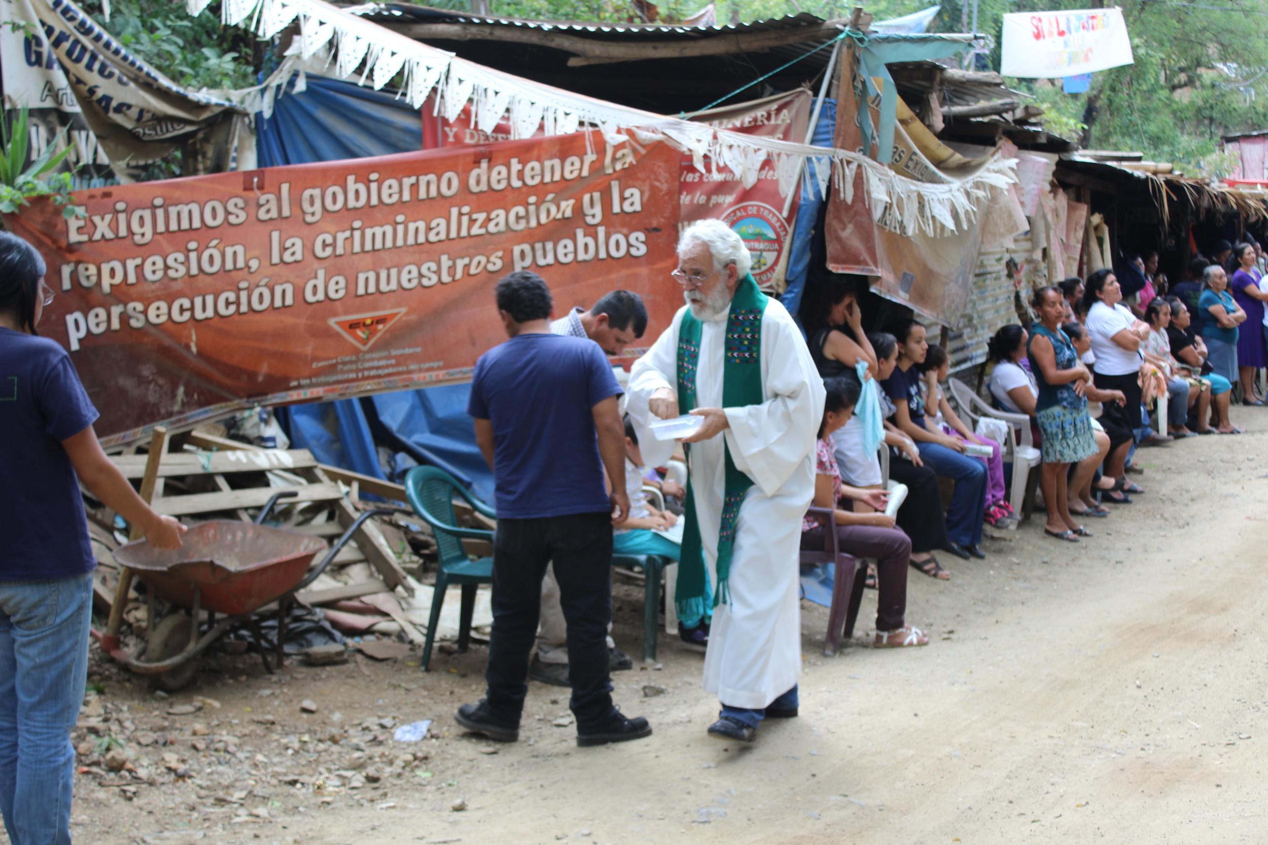 Misa de acción de gracias y solidaridad. Mass of thanksgiving and solidarity.