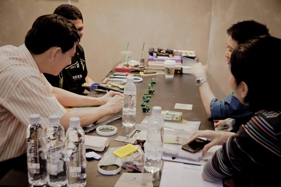 Lohameka studio of Jewelry art by Vinit Koosolmanomai