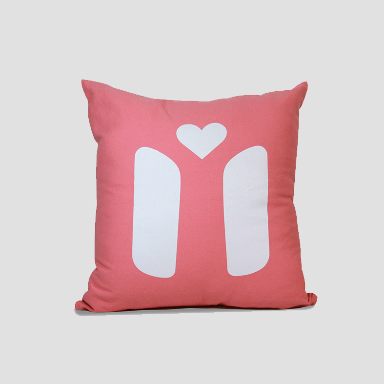 Chair | Cushion Cover   Colour : Red  size : W50 x H50 cm  price : 495 THB