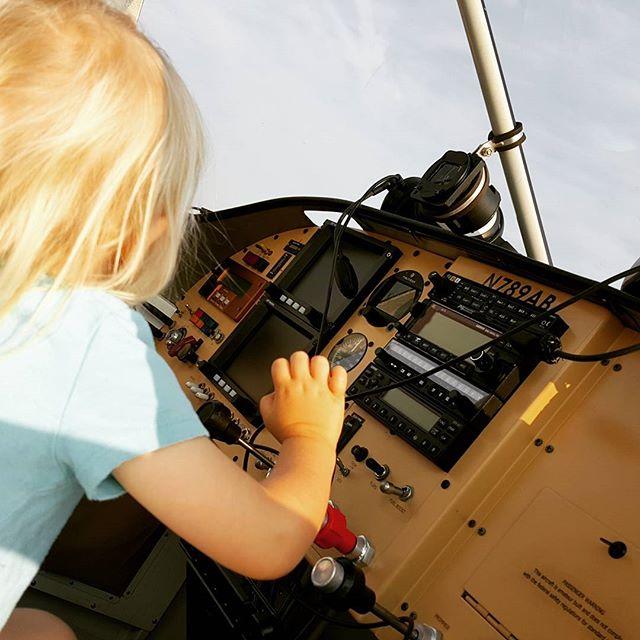 Preflight  #experimental #toddler #copilot #airplane #ga #generalaviation #gofly #shereallywantedtogo #butnotthistime #🛩