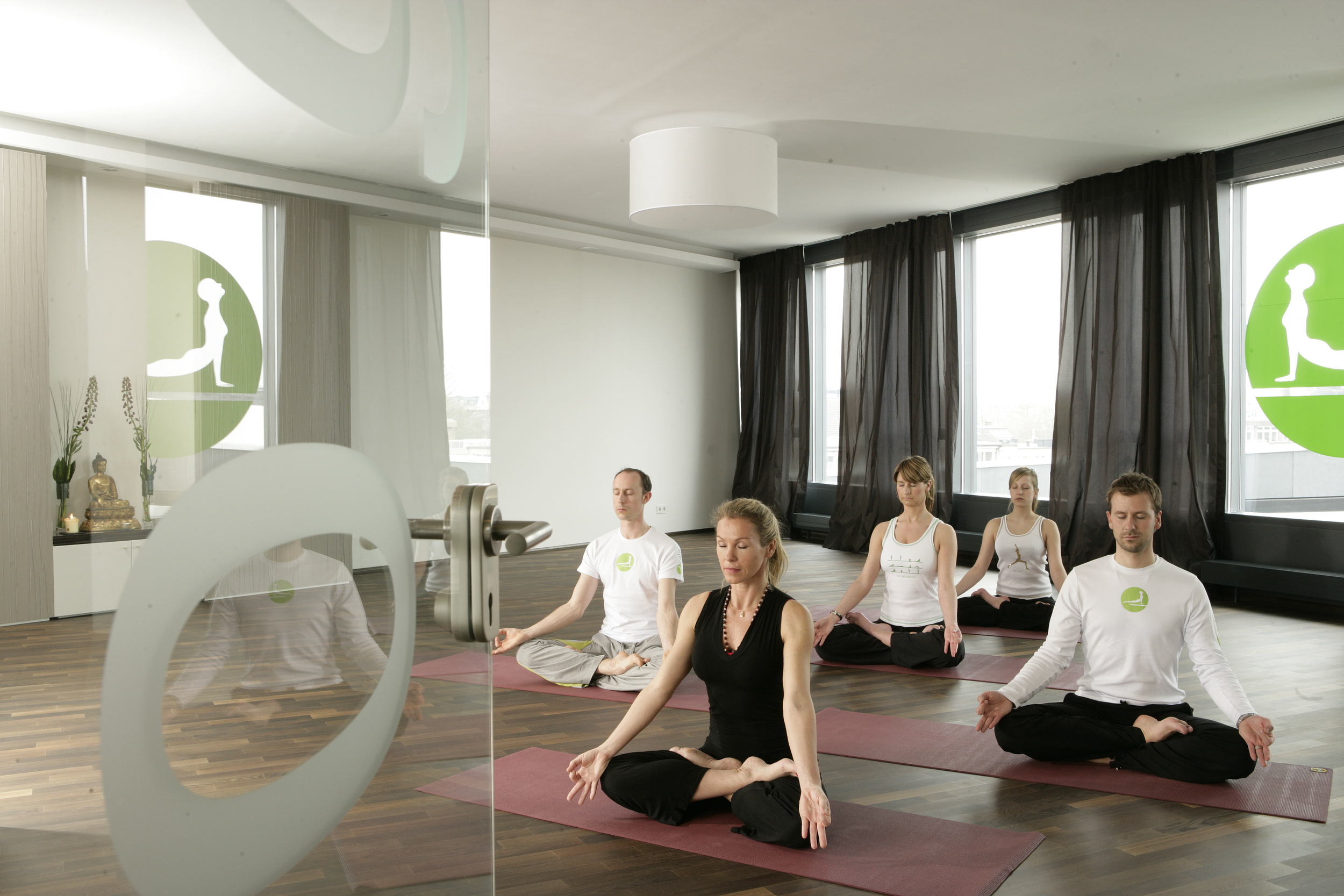 Calm the yoga spa - yoga raum