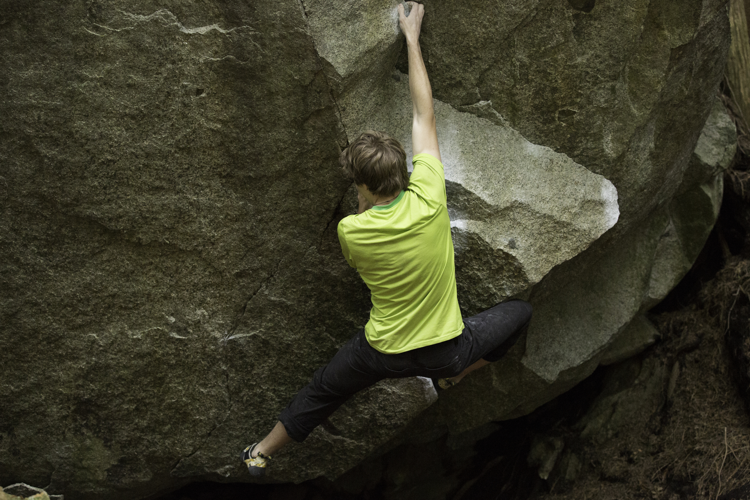 Andrew McKean nailing his first v8 (but he can climb v9 and v10, what?) on 'Missing in Action' v8, Squamish BC, Canada.