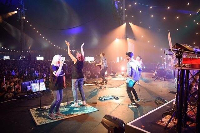 💃🏼🕺🏻#ND17 #newday #worship