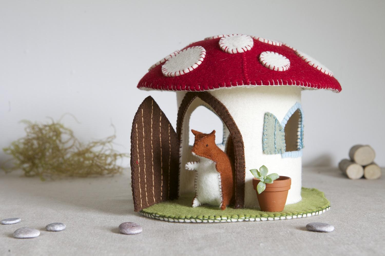 toadstool-house-sewing-pattern-3.jpg