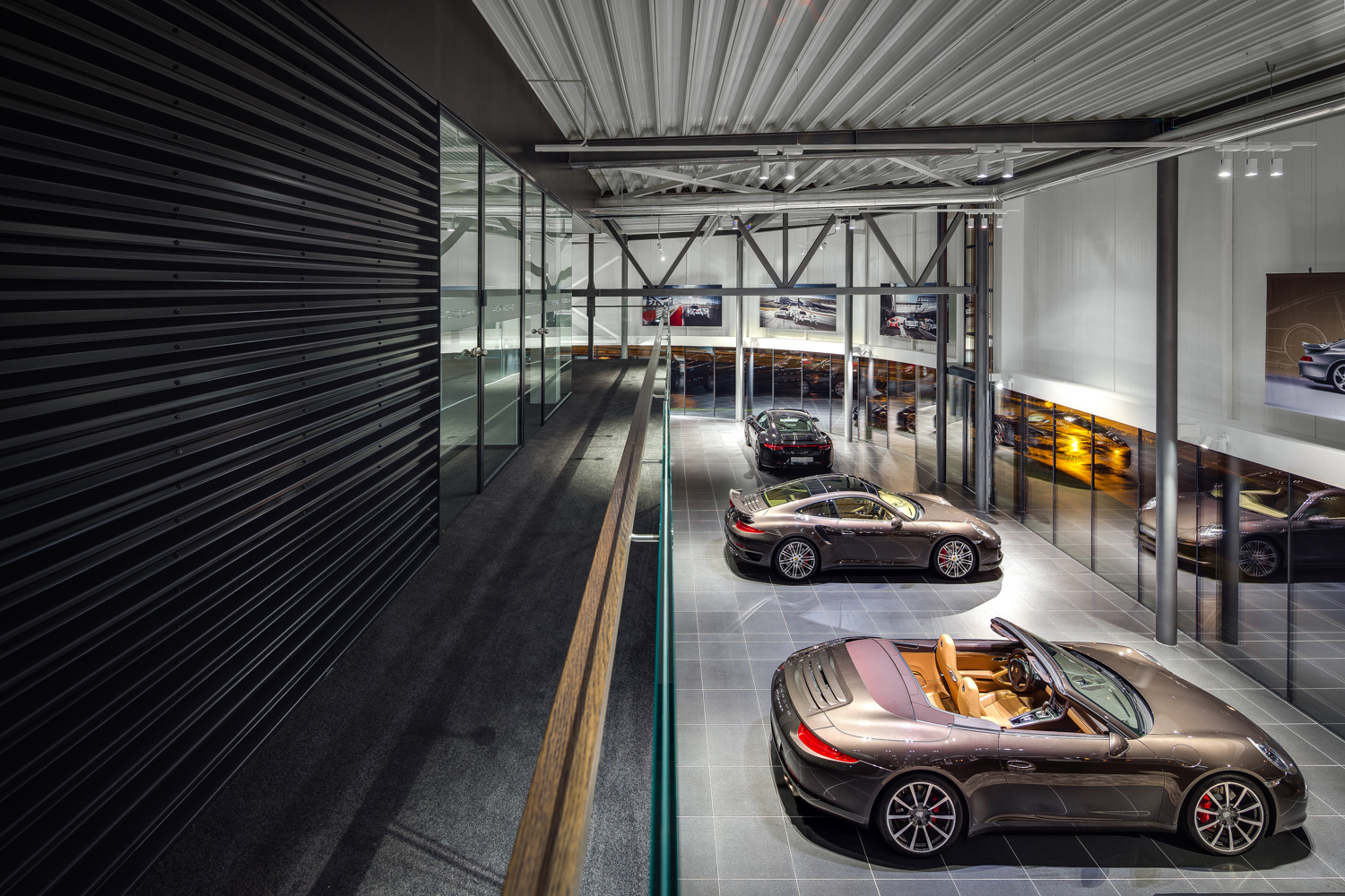 DOARCHITECTS Porshe showroom