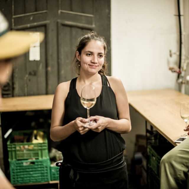 Have you met Naty yet? Working together with Laura since more than 5 years, Naty is the charming host of our Schöner Saufen - next one up this Friday!  Foto by @lobeck.photo  #woodfoodafterwork #schönersaufen #frommexicowithlove #sometimescocktails #5yearsago #thebubblesattheendalways #nicklobeckfoto