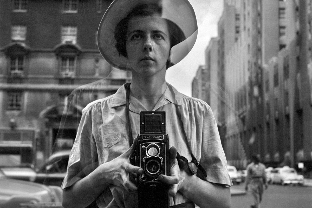 Vivian-Maier - Self Portrait in New York City 1950's