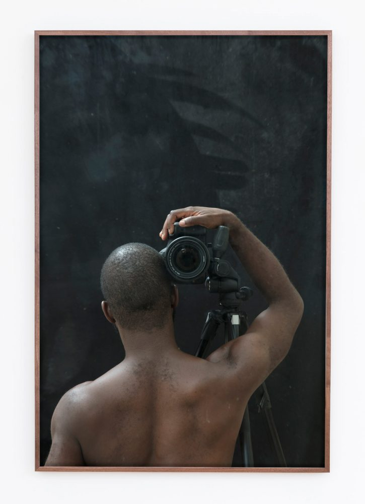 Paul-Mpagi-Sepuya-Mirror-Study-_2140278-2018-archival-pigment-print-34x51-Framed_Web-725x1000.jpg