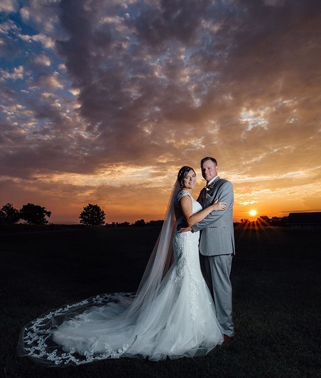 Alexis and Chandler - your love is as beautiful and unique as the sunset on your wedding day! 😍 . . . . . #luxamorephotography #sunset #cloudporn #weddingday #weddingseason #chattanoogaweddingphotographer #chattanoogaweddingphotography #southernbride #ocf #canon #canonshooter #lovewins #sunbeams #clouds #sunsetwedding #couplegoals #nashvilleweddingphotographer