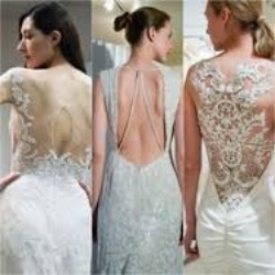 Loving the drama of a backless gown!