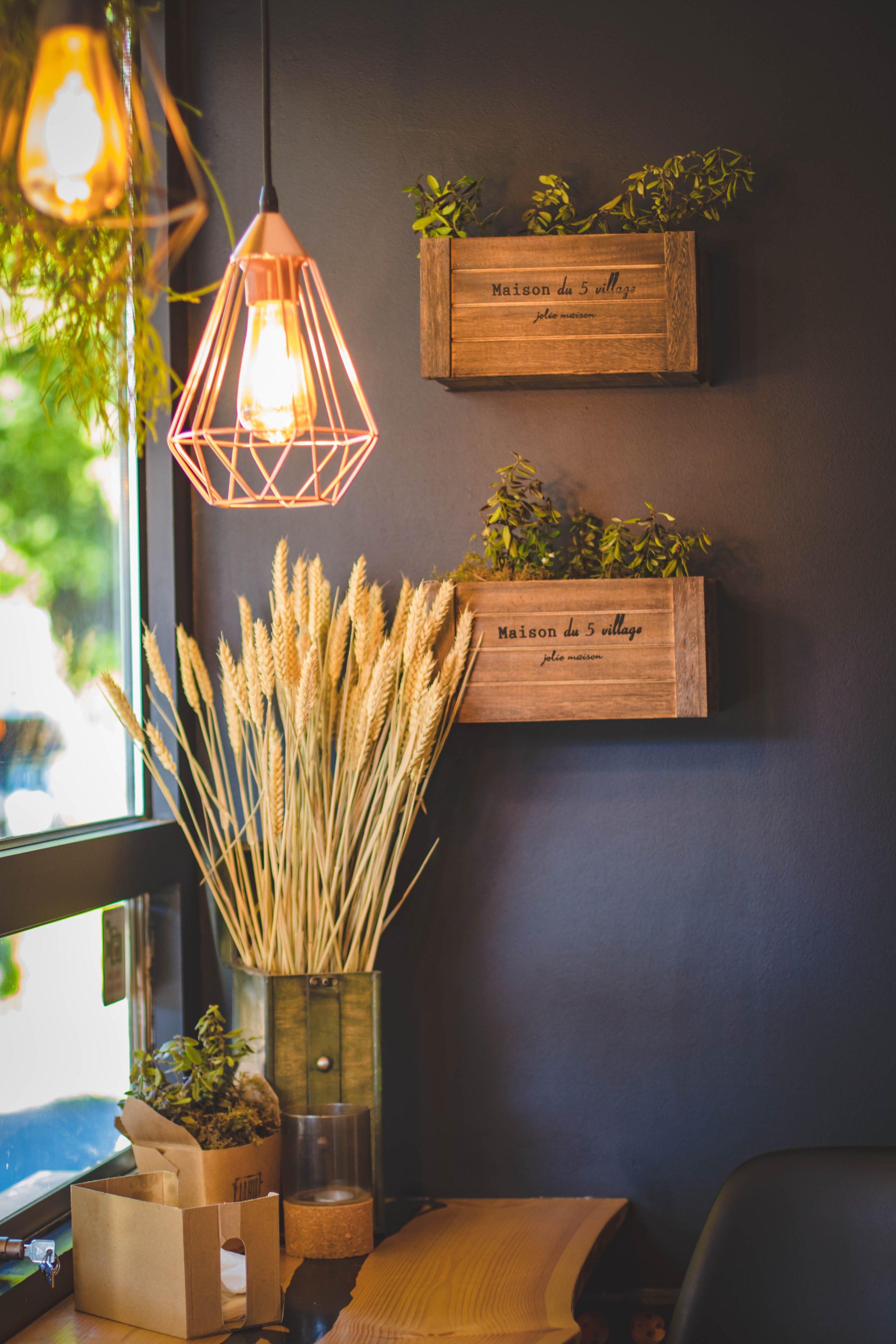 bright-decoration-design-1129413 house home room  kitchen light window.jpg