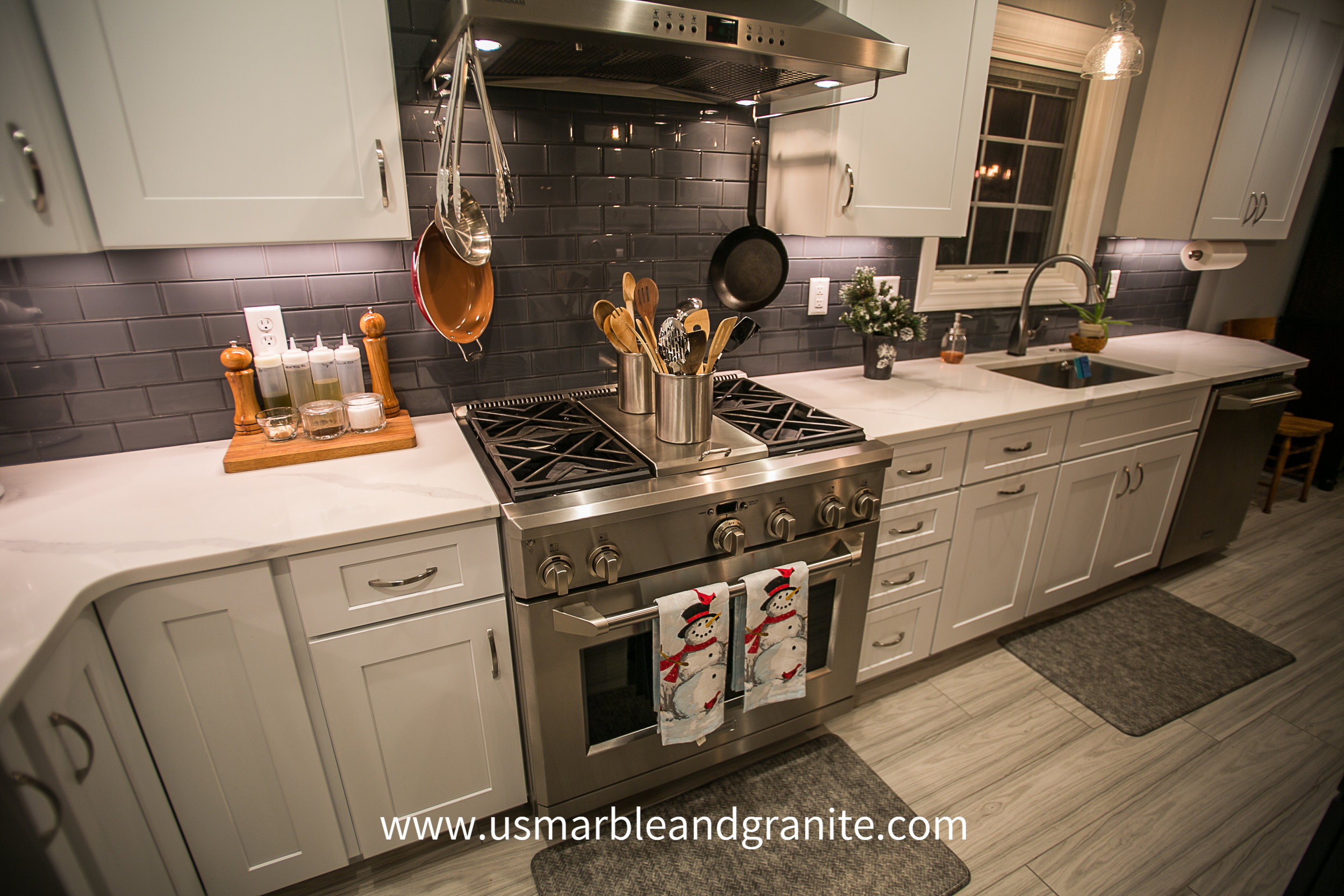 """Quartz perimeter countertops. For customers wanting the """"Marble"""" look with increased durability, Quartz is the #1 choice."""