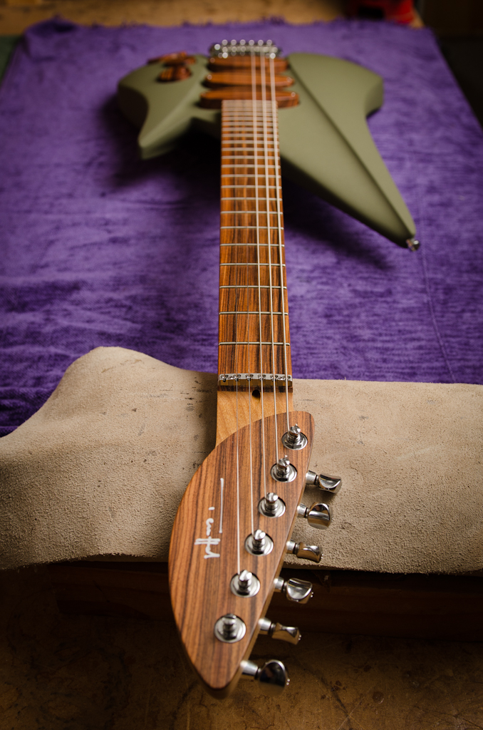 """Six-in-line headstock with a ball bearing """"roller"""" nut."""
