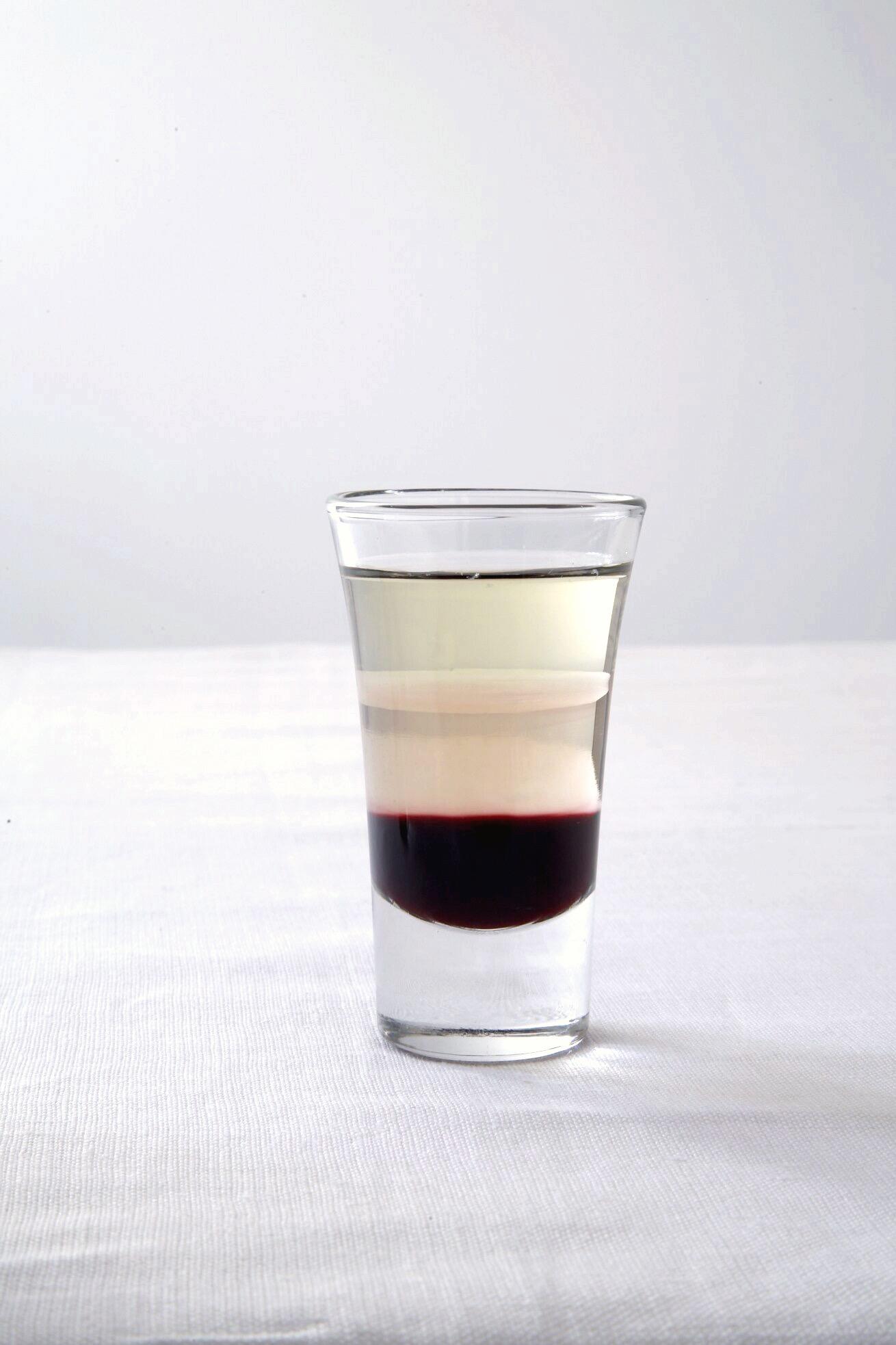 Drinks_BlackForestShooter_005.jpg