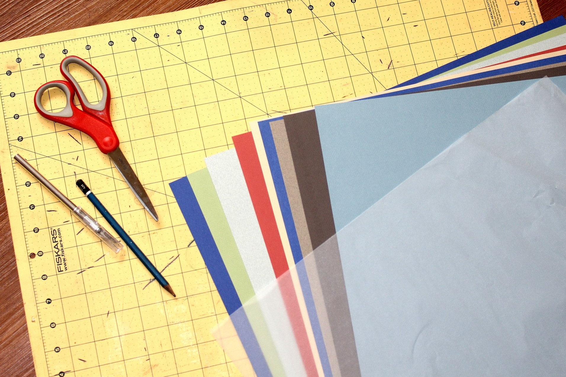bookmaking tutorial about arranging the art paper