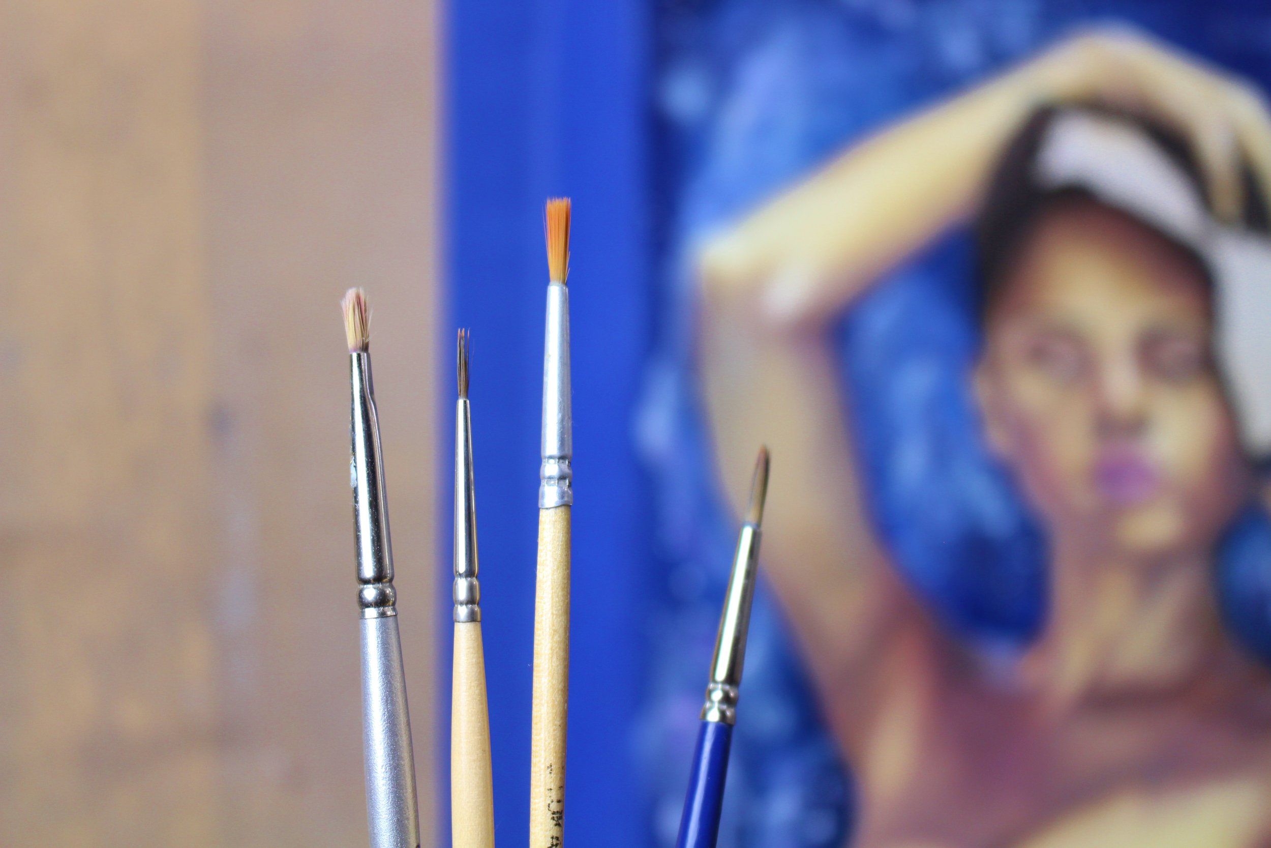 paintbrushes used in oil painting