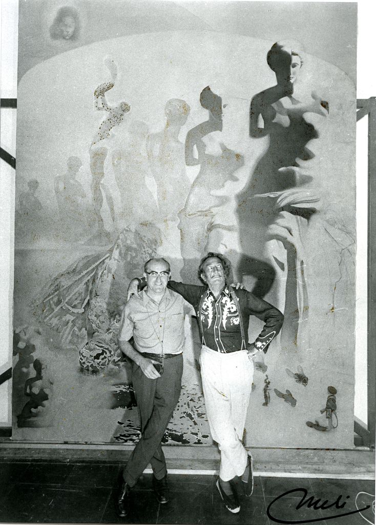 1986.85_Dali and Meli in front of the Toreador_web.jpg