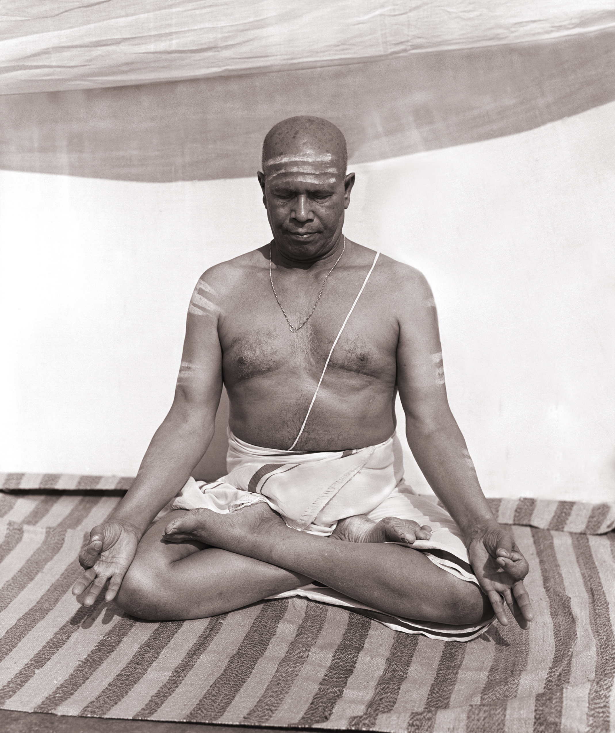 Pattabhi Jois sitting in meditation