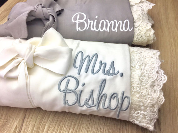 My Favorite Bridesmaids Gifts from Etsy | Cotton Robes for Getting Ready | Robes with Monograms