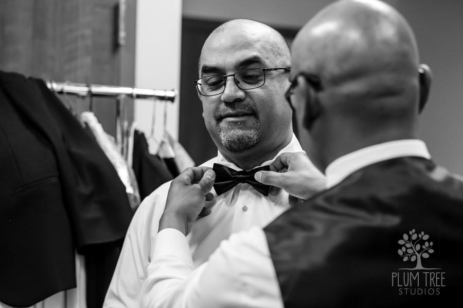Royal Oaks Country Club Wedding Reception | Groom getting ready