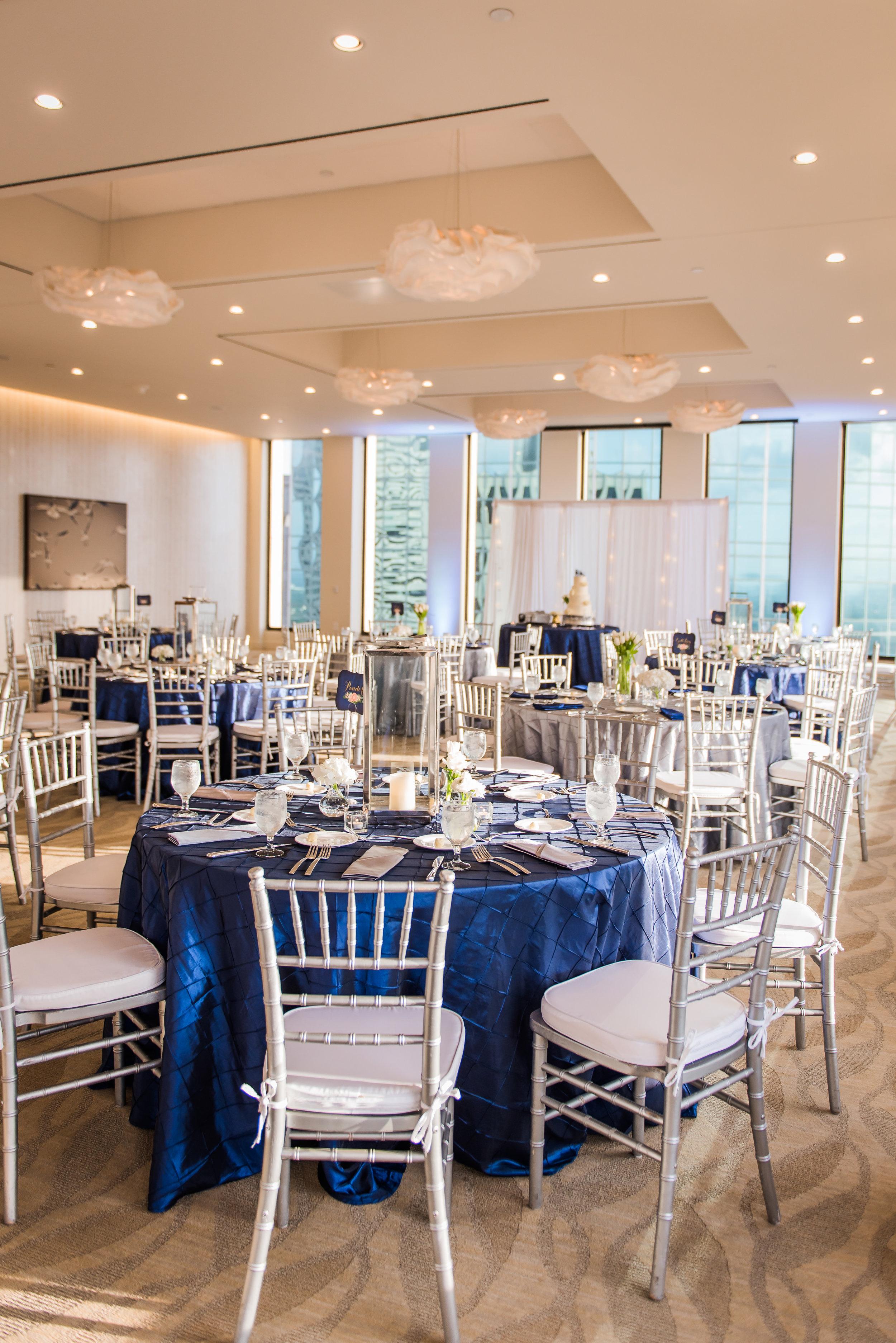 Silver and Grey Wedding | Modern Houston wedding | Dr. Who Wedding inspo