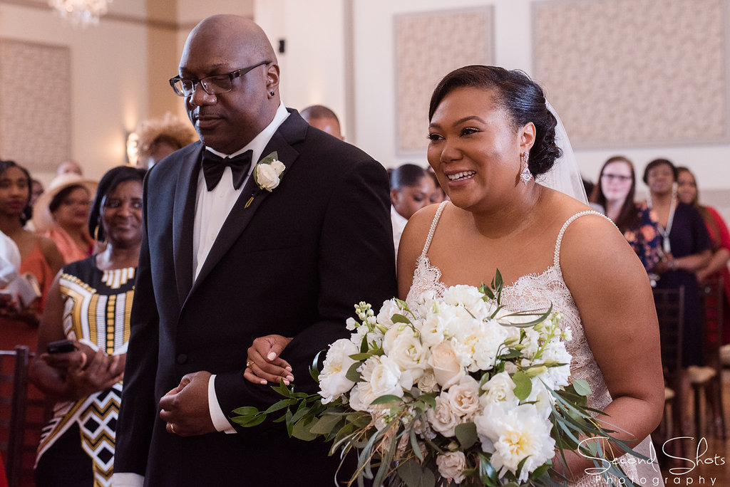 Black and Ivory Wedding | All white Wedding Bouquet | Noah's Sugarland