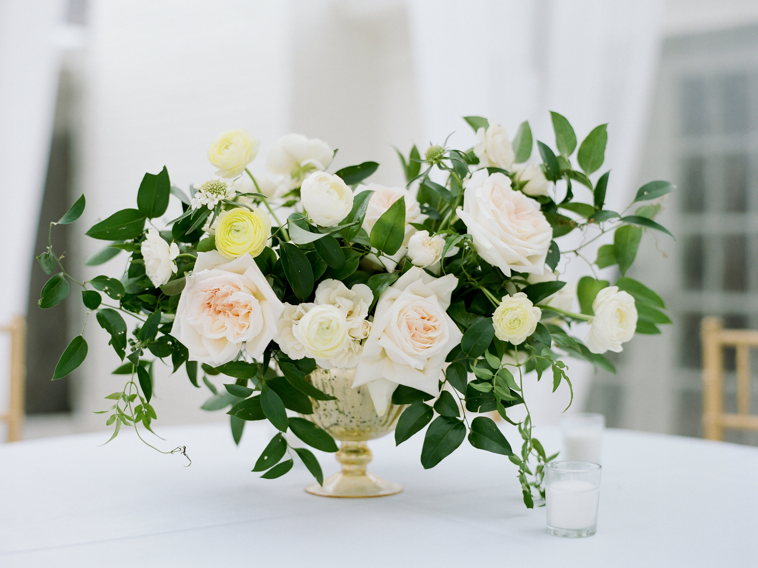 Ivory and white garden style floral | Franzie's Flowers in Houston
