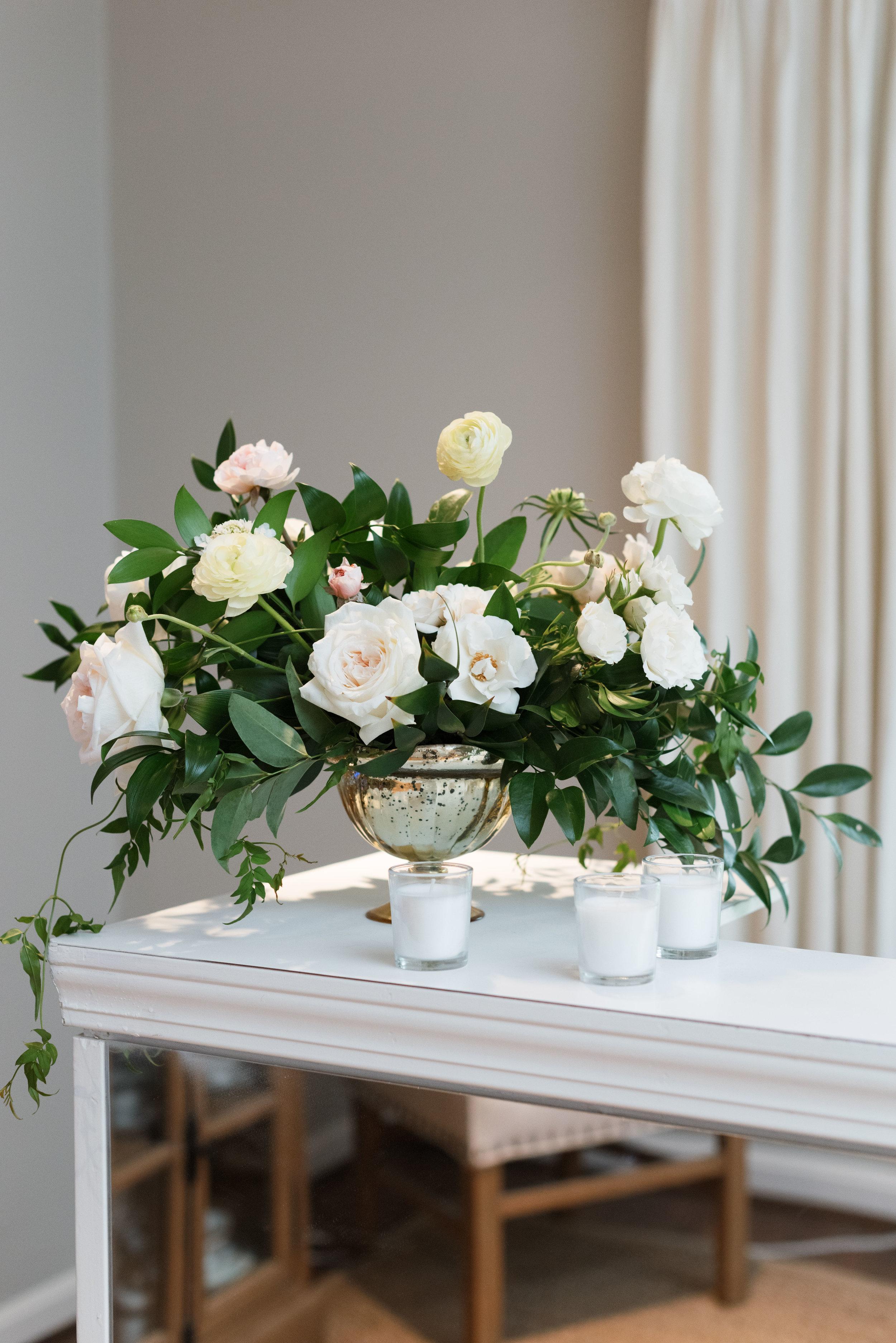 White and mirrored bar | Houston luxury weddings