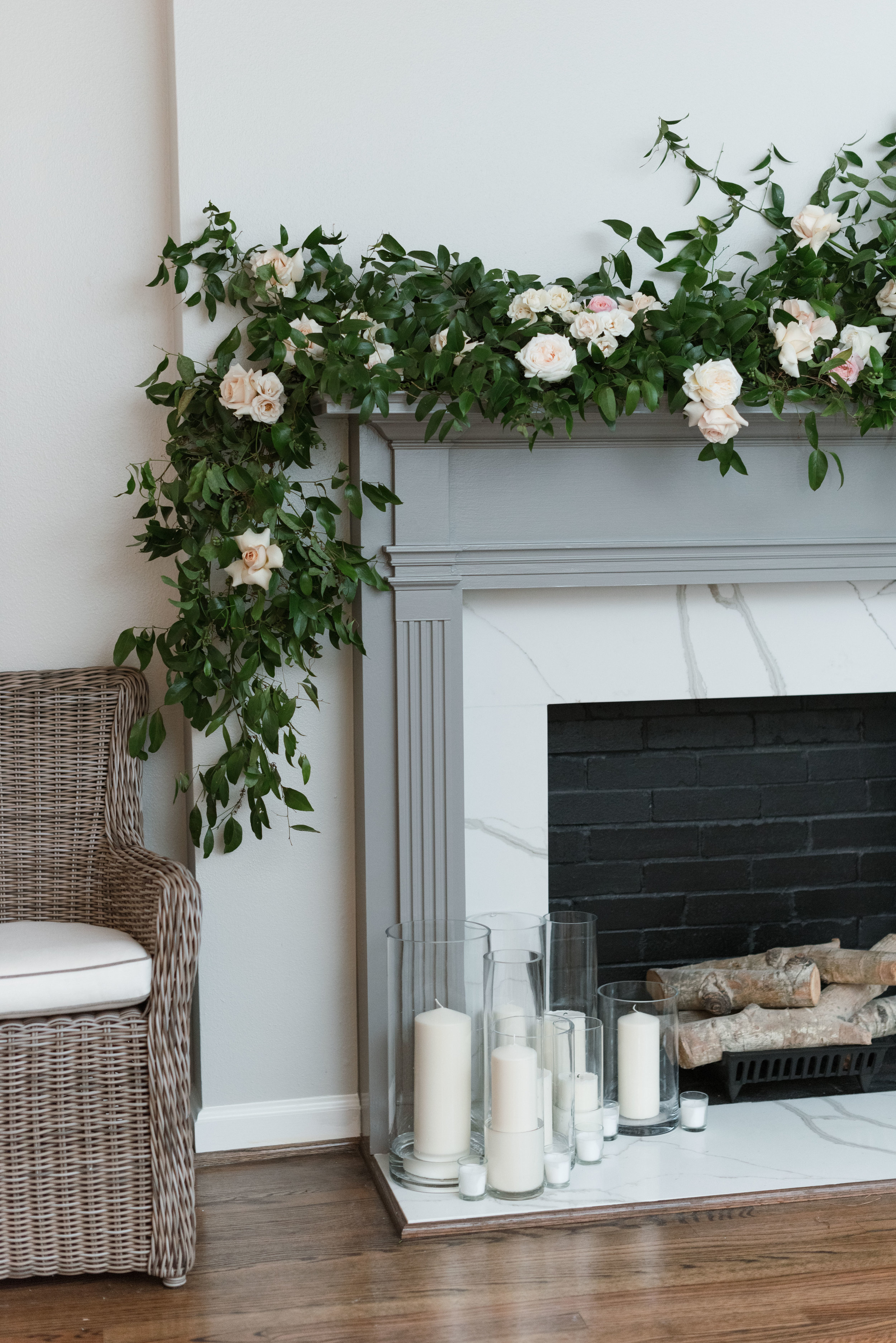 Lush garden style floral on a mantel piece | Franzie's Flowers